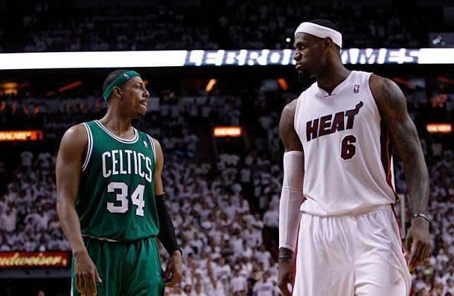 LeBron James對陣Paul Pierce