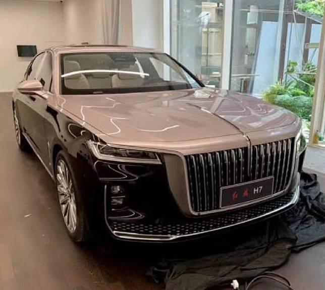 Sedan H7 buatan produsen Cina Hongqi yang siap berkompetisi dengan BMW maupun Mercedes-Benz. Sumber: carscoops.com