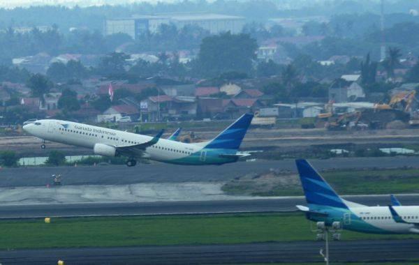 Pesawat milik maskapai penerbangan Garuda Indonesia
