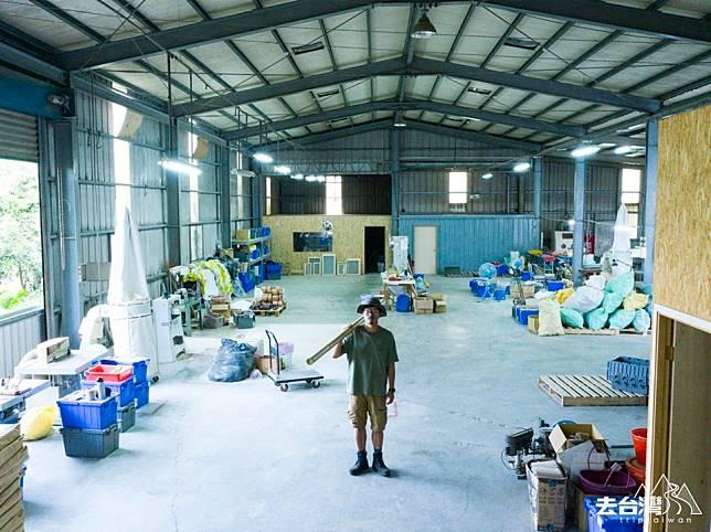元泰竹藝社的工廠也位於竹山,在地材料、在地人才,不但可以減低碳排放,也可以振興竹山竹業。