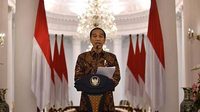 Presiden Joko Widodo (Jokowi) menyampaikan keterangan pers terkait penangangan virus Corona di Istana Bogor, Jawa Barat, Ahad, 15 Maret 2020. ANTARA/Sigid Kurniawan