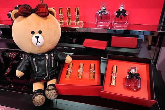 可以找到MON PARIS香水及兩款Heart & Arrow「一箭穿心」限量禮盒。