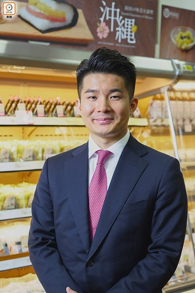 西田宗生先生指以前飯糰多用來遠行、野餐或作點心食用,較少用作主食。(張群生攝)