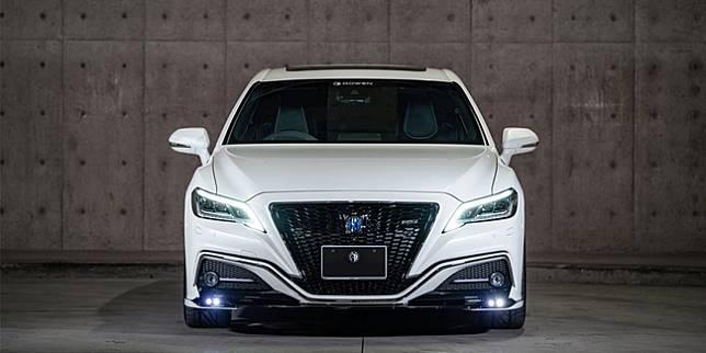 Toyota Crown (wheelsage.org)