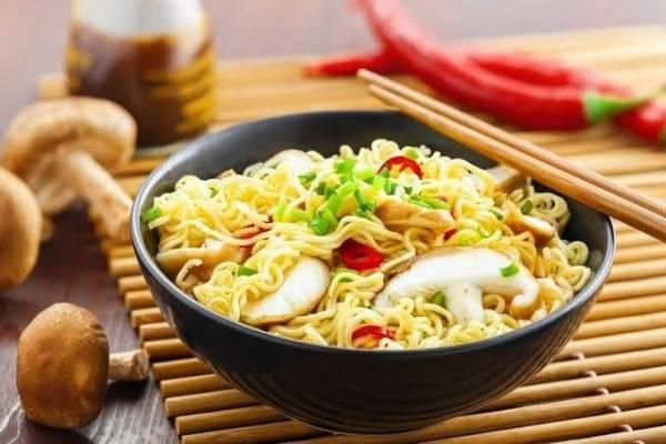 10 Makanan Ini Lebih Enak Dinikmati Saat Hujan Cobain Deh