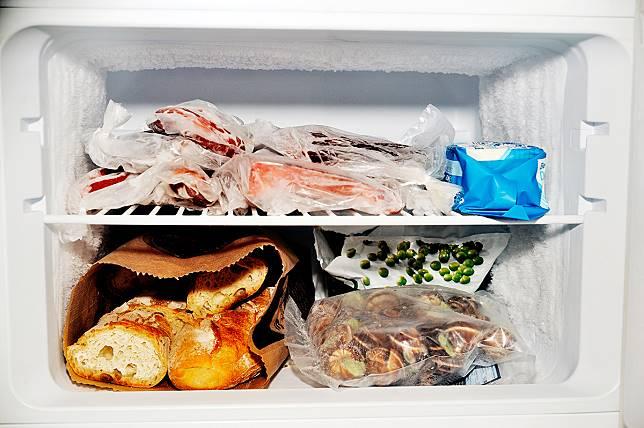 Cara Terbaik Menyimpan Roti agar Lebih Awet: Bekukan dalam Freezer