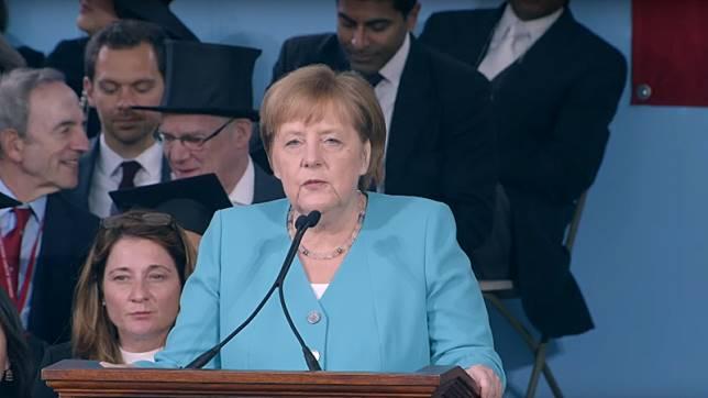 動人演說│德國總理梅克爾給哈佛畢業生的6個禮物:勇敢拆毀心中阻礙的那道牆,沒有不可能的事!