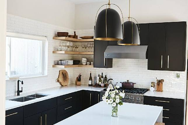 Dapur Minimalis Jadi Tambah Keren Dengan Kabinet Hitam Ini 7 Inspirasinya Tempo Co Line Today