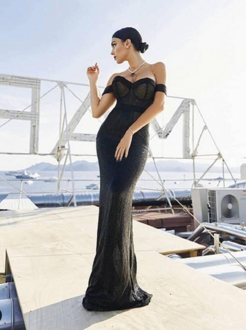 Hasil gambar untuk Georgina Rodriguez Mini Dress Hitam