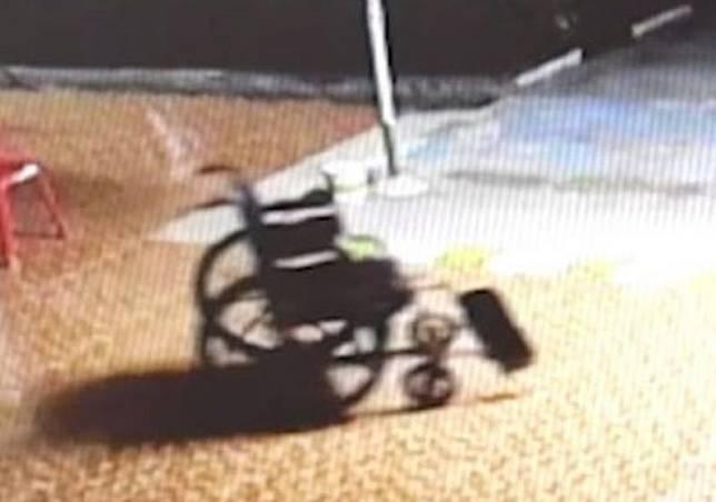 ▲泰國 1 所醫院近日發生輪椅在深夜無人狀況下、自行移動的事件,震驚院內。(圖/翻攝自太陽報)