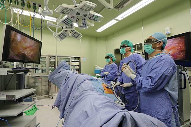 大腸癌三度復發仍是一尾活龍  熟男只因配合醫師做到這件事