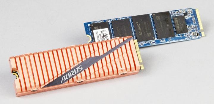 使用SSD安裝作業系統或應用軟體,可以加速電腦開機或軟體執行的速度,因此,不管是SATA或M.2介面,建議挑選最少512 GB容量的SSD。