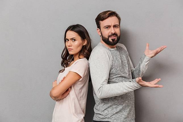 10 Komentar Terlarang dari Suami yang Bisa Bikin Istri Marah