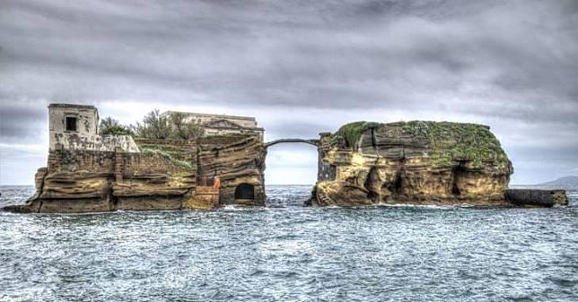 Jangan Sekali-kali Kamu ke Sini! Meski Punya Pemandangan Indah, 6 Pulau Ini Sangat Ditakuti Oleh Manusia