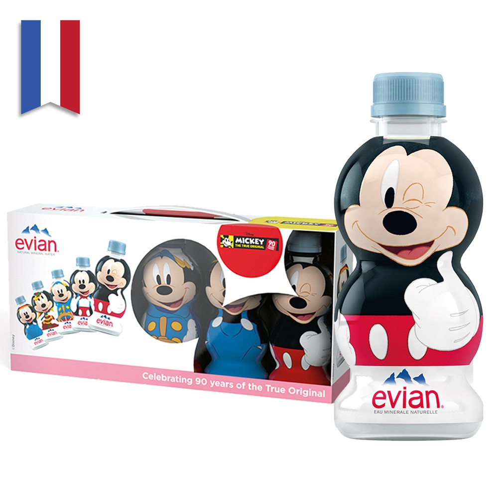 《evian® Mickey Mouse 90週年經典公仔系列》動畫經典造型躍上瓶身 《evian® Mickey Mouse 90週年經典公仔系列》將米奇90年來螢幕生涯中最具代表性的5個造型呈現在