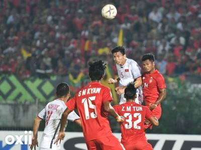 Việt Nam bị cướp bàn thắng, CĐV Malaysia than khóc như mưa