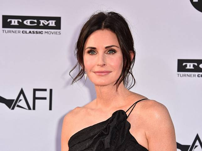 Courteney Cox attends American Film Institute's 46th Life Achievement Award Gala Tribute to George Clooney at Dolby Theatre on June 7, 2018 in Hollywood, California.