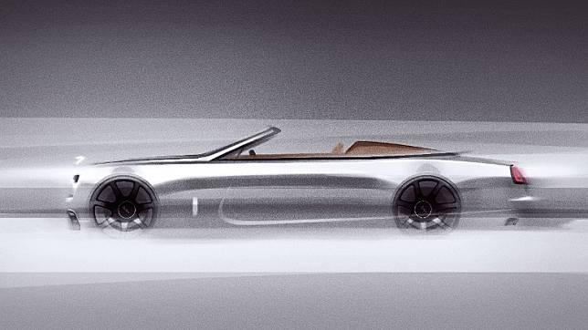 車身特別採用全新超金屬銀色定製漆面,看起來儼如一枚蓄勢待發的銀色子彈。(互聯網)