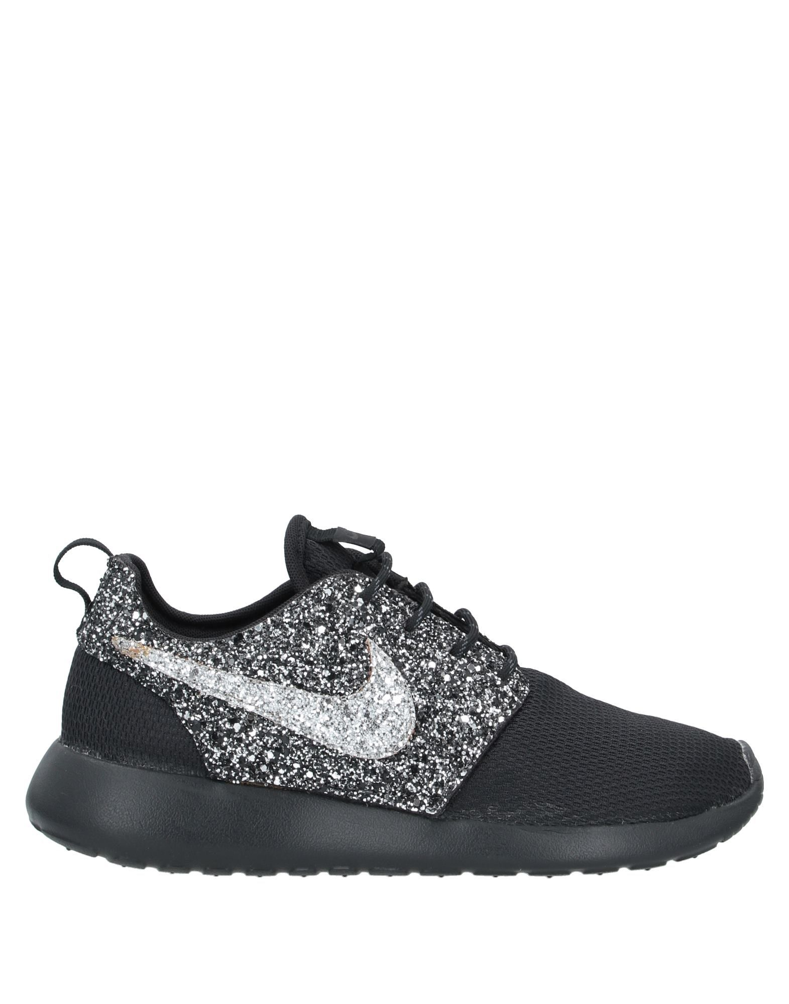 glitter, logo, solid color, laces, round toeline, flat, unlined, rubber sole.