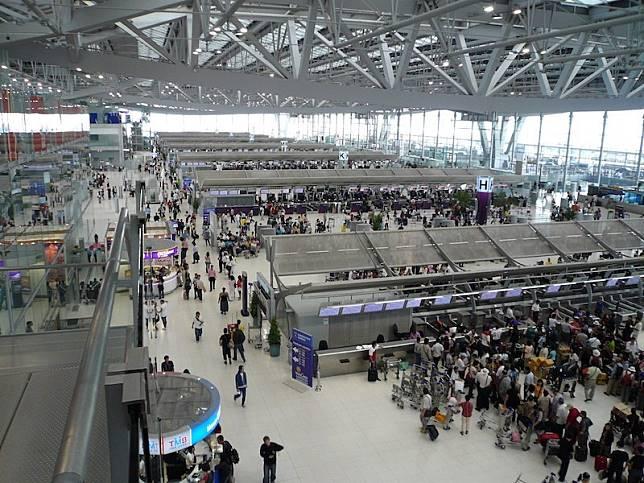 該名中國女遊客抵達曼谷機場之後被發現異狀。網上圖片