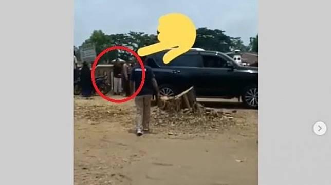 Terekam lokasi pelaku sebelum menusuk Wiranto.(Instagram)