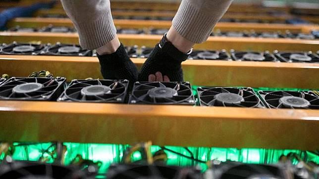 Bitfarms sejauh ini sudah memiliki empat titik penambangan mata uang kripto di Quebec dan tengah membuka tiga fasilitas lainnya. (dok. REUTERS/Christinne Muschi)