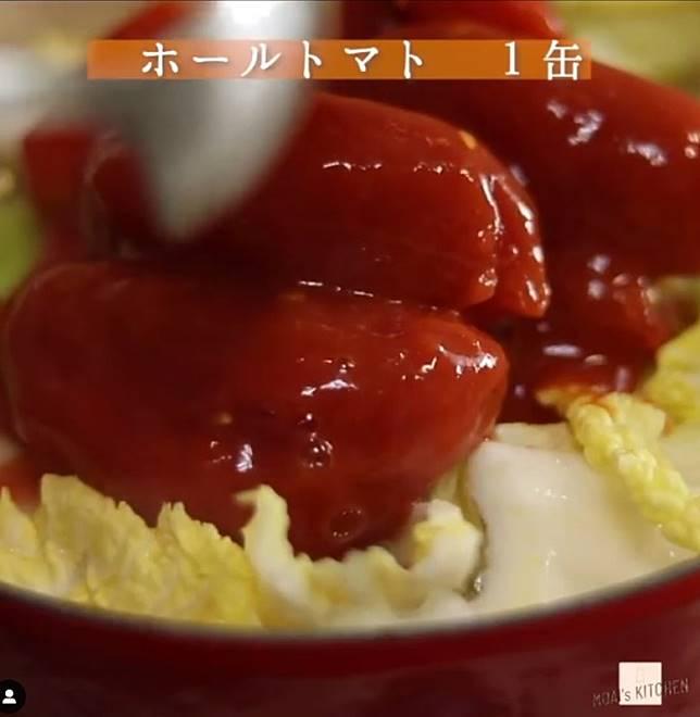 罐頭番茄味道較香濃,也可選用新鮮番茄炮製。(互聯網)