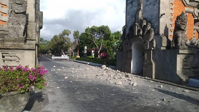 The entrance to the Nusa Dua hotel complex was damaged in a 6.0-magnitude earthquake in Bali on Tuesday.