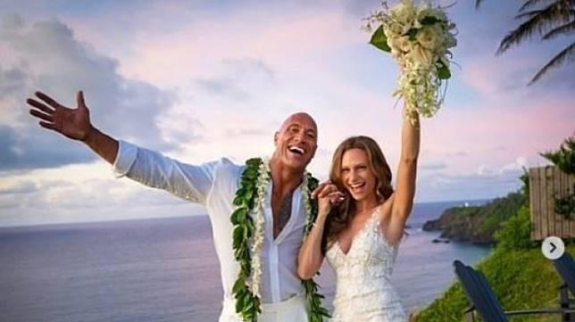 Dwayne Johnson menikah [ig@therock]