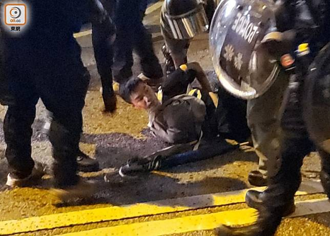 太子道西其中一名男子被拘捕。(朱先儒攝)