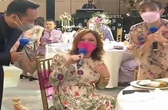 Adu gaya Maia Estianty vs Mulan Jameela di acara lamaran Atta Aurel. (Live RCTI)