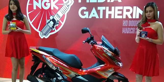Honda PCX NGK (Otosia.com/ Nazar Ray)