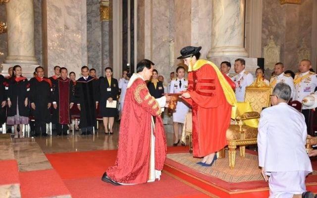 สมเด็จพระบรมราชินีทรงเปิดงานฉลอง 50 ปี การก่อตั้งมหาวิทยาลัยอัสสัมชัญ