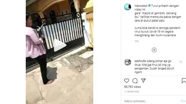 Video perempuan buka paksa pagar masjid pakai palu (Instagram).