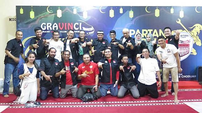 Komunitas Grand Livina Club Indonesia Gelar Kopdar Sekaligus Bakti Sosial