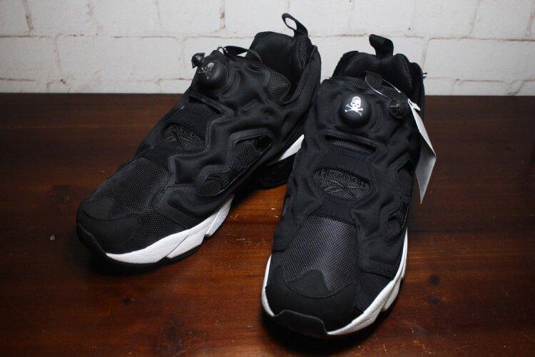 mastermind JAPAN x Reebok Instapump Fury骷髏頭充氣跑鞋 情侶款