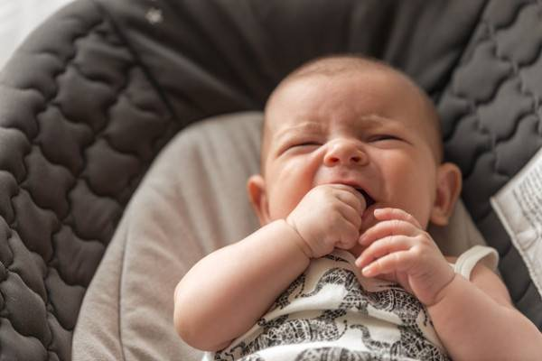 Tahu Lebih Banyak Soal Sariawan pada Bayi