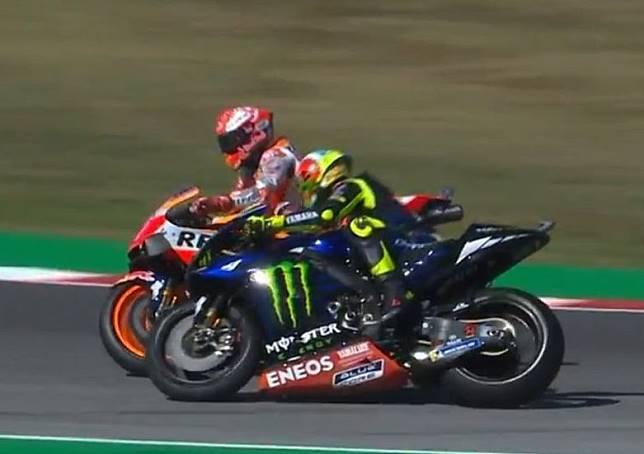 Insiden antara Marc Marquez dan Valentino Rossi di Q2 MotoGP San Marino