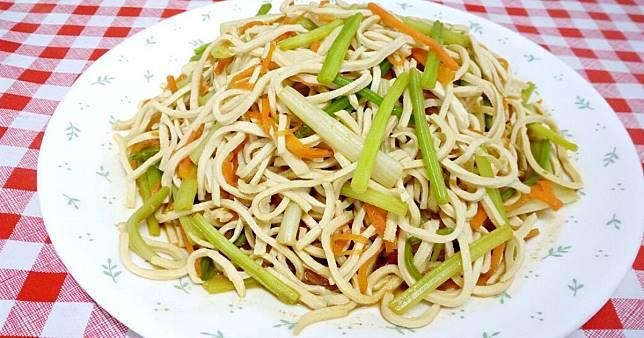 涼拌芹菜豆乾絲(素食)