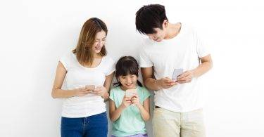 哈佛心理學家:這七個時間,你該放下手機和孩子好好相處