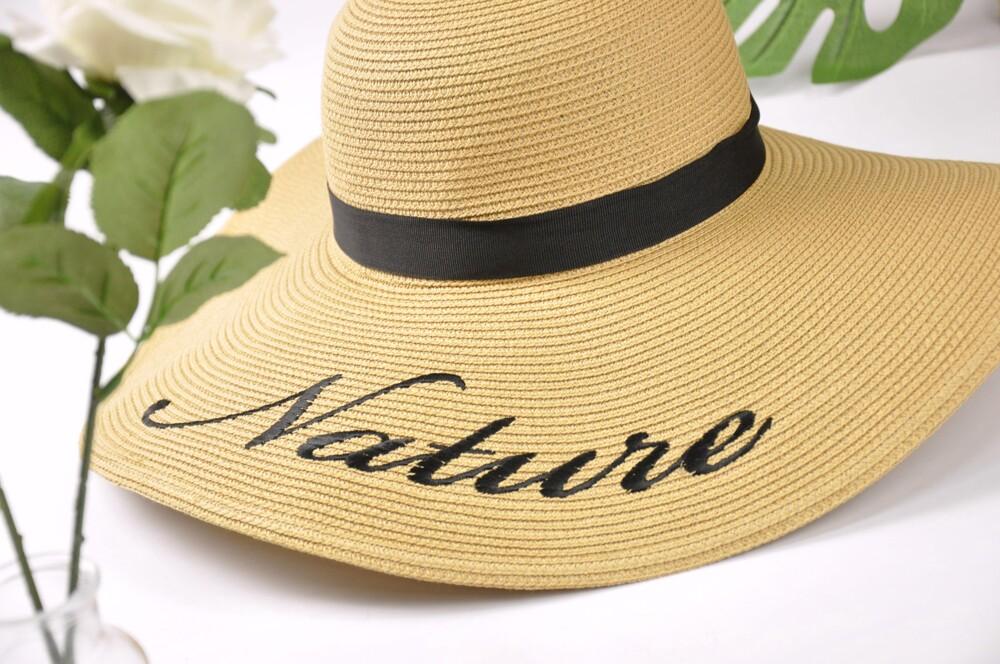 每頂帽子皆經過人工品檢,堅持台灣製造的優良品質。 紙編帽的特性:吸濕、排汗、透氣、快乾、可水洗、可捲收、重量輕 【商品明細】 品牌:Natural Club 材質:天然紙纖維 特性:可水洗、透氣、吸濕