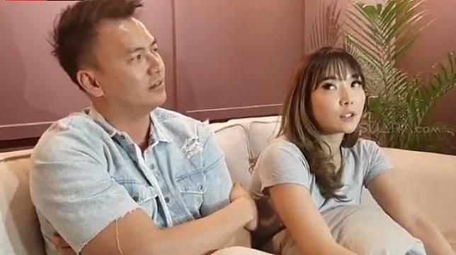Gisella Anastasia dan pacar, Wijaya Saputra menggelar konfrensi pers terkait video porno yang disebut mirip dirinya. [Evi Ariska/Suara.com]
