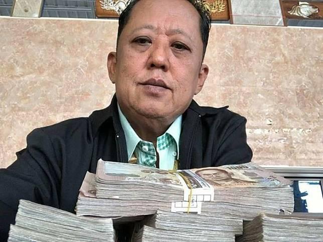 Anont Rotthong, juragan durian asal Thailand yang janjikan uang sebesar Rp 4,4 miliar untuk calon menantunya.