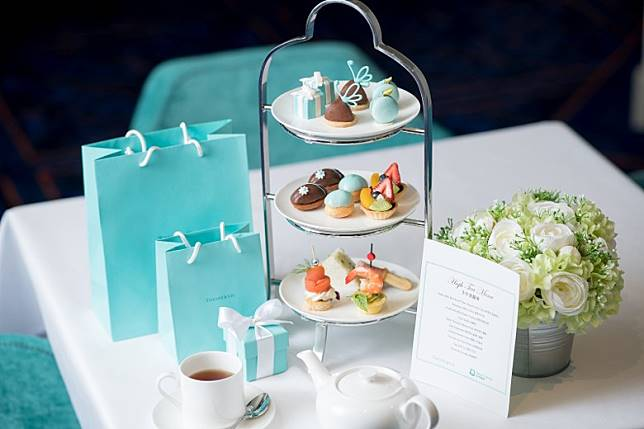 星夢郵輪與珠寶品牌Tiffany & Co. 合作推出全球首個海上主題下午茶。(互聯網)