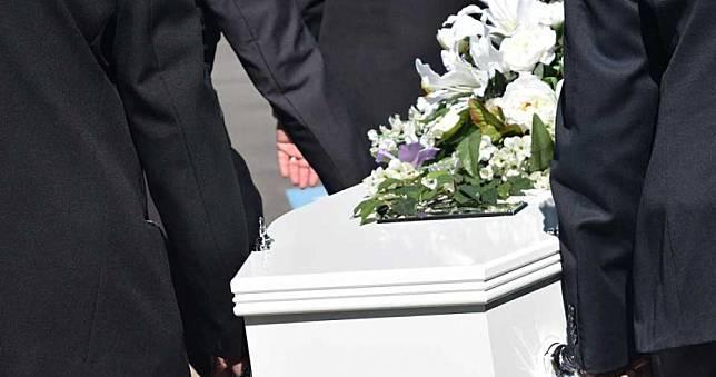 堅持參加葬禮!17人集體感染新冠肺炎 她與長輩「死在同病房」