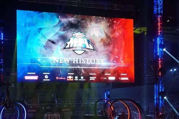 (Mobile Legends) ONIC Versus RRQ di Minggu Pertama MPL Season 4