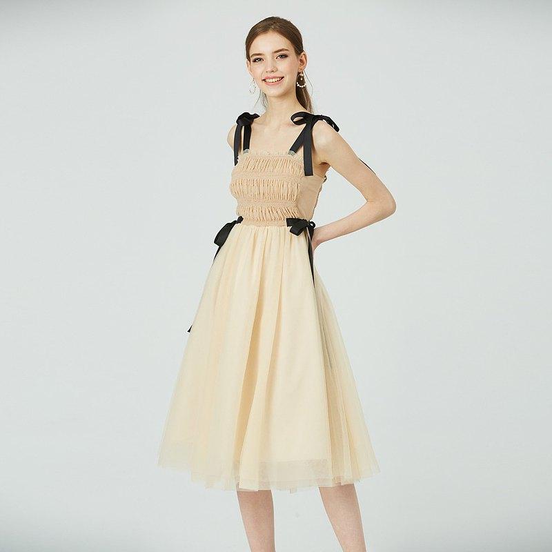 俏皮帶點小性感,約會最合適!彈性抽皺緞帶紗裙~