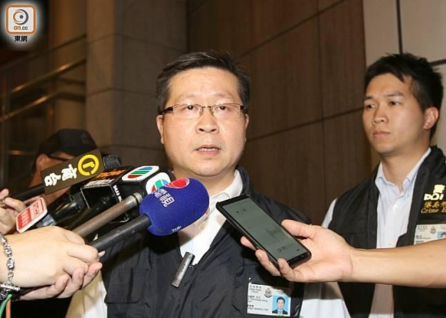 港島總區重案組總督察冼國明講述案情。(余宏基攝)