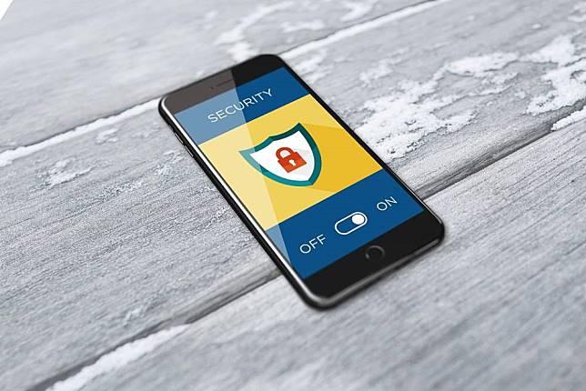 刪也沒用!間諜軟體「Pegasus」 能入侵手機竊取FB、Google等雲端資料
