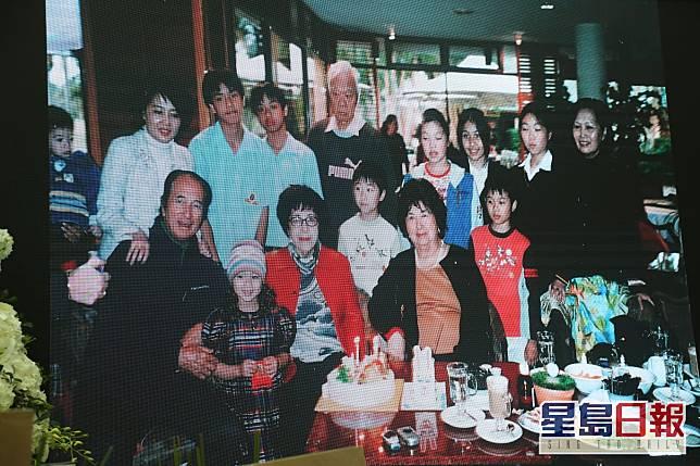 何鴻燊和四房家人。